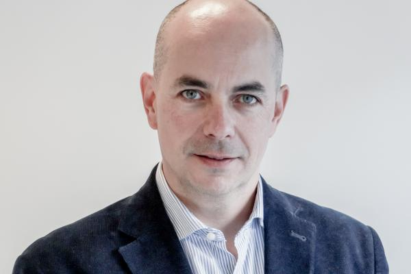Antonio Pamos, Socio-Director